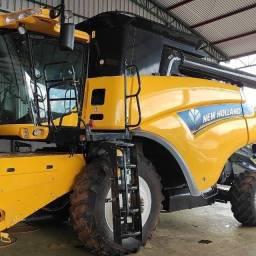 Colheitadeira New Holland CR6080