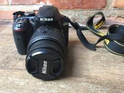 Título do anúncio: Camera Nikon D3300 / semi novissima