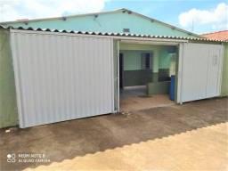 Residência no Centro de Alexânia área do lote 300m²