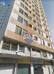 Título do anúncio: Apartamento com 1 dormitório à venda, 31 m² por R$ 133.000 - Centro - Juiz de Fora/MG