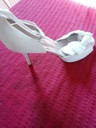 Vendo sapato branco