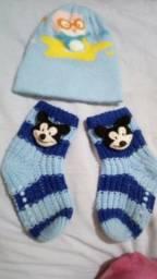 Touca + Botinha do Mickey feito em Lã
