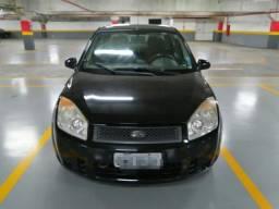 Fiesta Sedan 1.6 flex Ar Direção ac troca