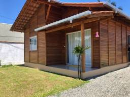 Casa Com 2 dormitórios Centro de Penha/SC em Madeira Angelin