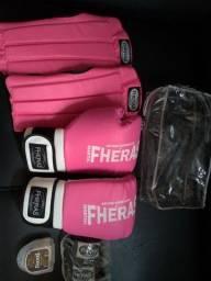 Título do anúncio: Kit Muay Thai Luva 10Oz Bandagem Caneleira Bucal Fheras Rosa<br><br>