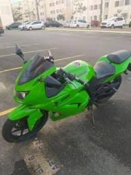 Kawasaki ninja 250cc, moto toda revisada