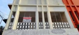 Casa em primeiro andar na avenida principal de Camaragibe