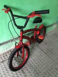 Vendo bicicleta aro 16 pra criança
