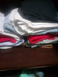 Verdo 150 peças jeans e tecido eu tinha um brechó fechei vendo tudo por preço barato