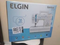 Título do anúncio: Vende-se 1 máquina de costura Elgin Plus,semi nova