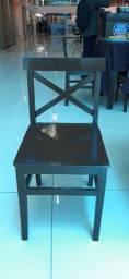 Cadeiras e banquetas, madeira maciça