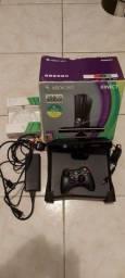 Xbox 360 com Kinect  250Gb + 22 jogos originais