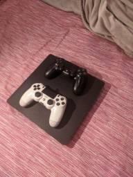 PS4 Slim 2 Controles e 2 jogos