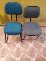 2 cadeira com avaria