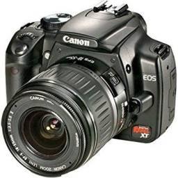 Canon Eos Digital Rebel Xt (350d) com vários acessórios