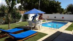 Casa com piscina e churrasquira condominio fechado(leia o anuncio)
