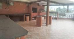 Sobrado no Demarchi, com 4 quartos, sendo 2 suítes e área útil de 230 m²