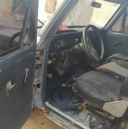 F1000 3.9 Diesel 1984