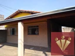 Casa com 2 dormitórios para locação por R$ 890 - Vila São Carlos - Mogi Guacu/SP