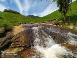 Vendo Sitio com 27,5 Hectares em Rio Calçado - Guarapari