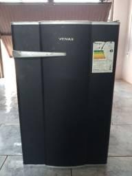 Frigobar Venax 82 Lts