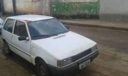 Carro Fiat uno branco