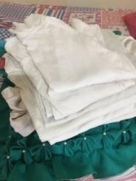 6 blusas brancas manga longa por 10