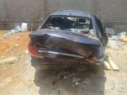 Fiat Linea batido R$3.200