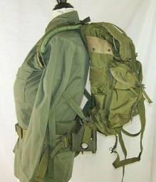 Vendo  mochilas alicepack  americanas tipo exército dos u.s.a novas e usadas