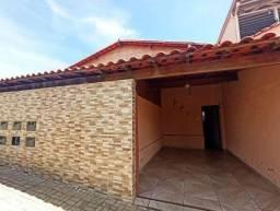 Casa 3 quartos com amplos cômodos na região do Grama - Aproveite!!!