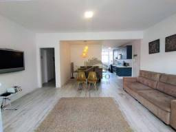 Título do anúncio: Guarujá Pitangueiras, Reformado, 2 Vagas, 3 Dormitórios (Suíte) 150 Mts Uteis, 30 Metros d