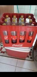 Título do anúncio: Garrafeira de Coca-Cola retornável 2L + 12 vasilhames