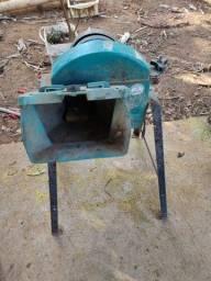 Picadeira de capim usada (muito conservada)