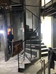 escada metálica espiral nova
