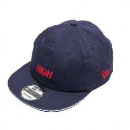 Boné High x New Era