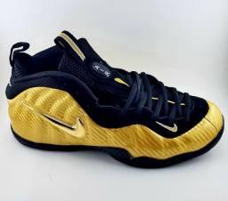 Tenis Nike Foamposite Dourado na Promoção