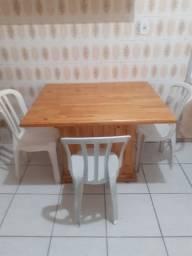 Mesa com 3 cadeira