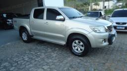 Toyota Hilux 2013 bege