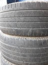 Título do anúncio: 2 pneus usados 18 amarok