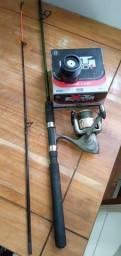 Vara de pesca com molinet