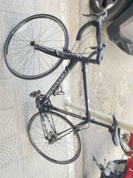 Bicicleta Cannondale CAAD 2015 tamanho 56