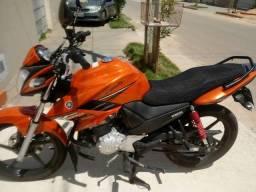 Vendo moto fazer na cor laranja: valor 7.000,00 - 2014