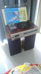 Aparelho de som CCE - toca vinil e radio