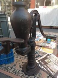 Antiga bomba de poço