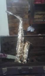 Vendo sax alto weril 1.800,00