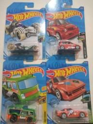 Carrinho Hot Wheels variados 4 unidades