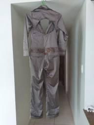 Macacão de cetim bronze,cintura bordada
