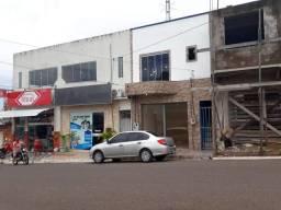 Ponto comercial e apartamento - Monte Alegre-PA