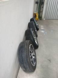 Jogo de rodas aro 15 com pneus novos
