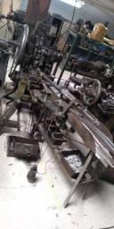 Máquina para fabricar tachas (pregos pequenos) (alemã)